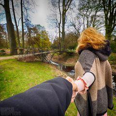 I Follow You: Brücke zum Rosengarten im Ohlsdorfer Friedhof