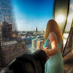 I Follow You: Elbphilharmonie (Blick aus dem Fenster)