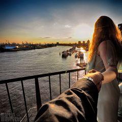 I Follow You: Hafen / Landungsbrücken (von der Elbphilharmonie)