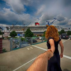 I Follow You: Queen Mary 2 im Dock