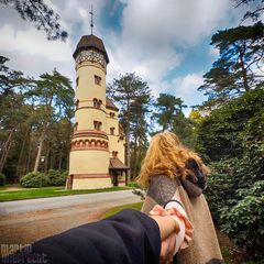 I Follow You: Wasserturm im Ohlsdorfer Friedhof