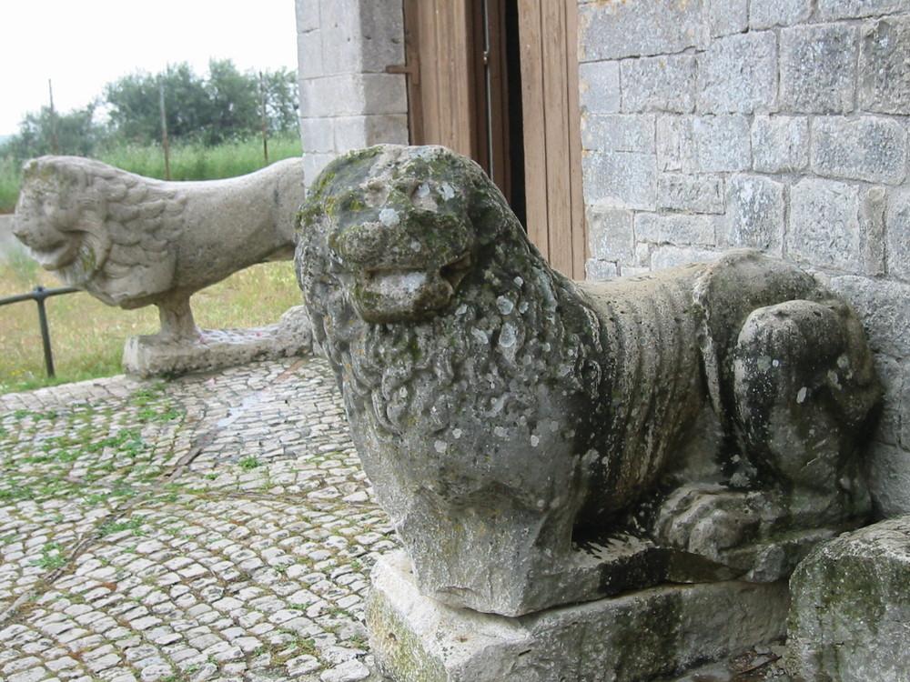 I leoni di Venosa: La Trinità
