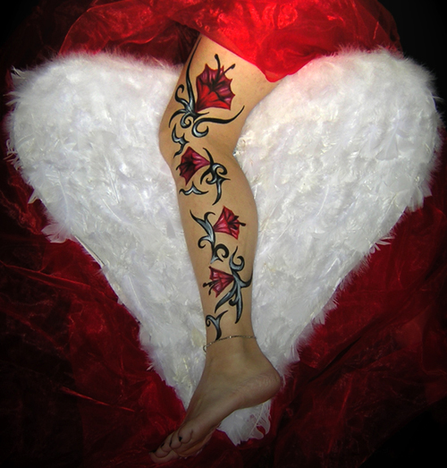 I love painted Tattoos ...