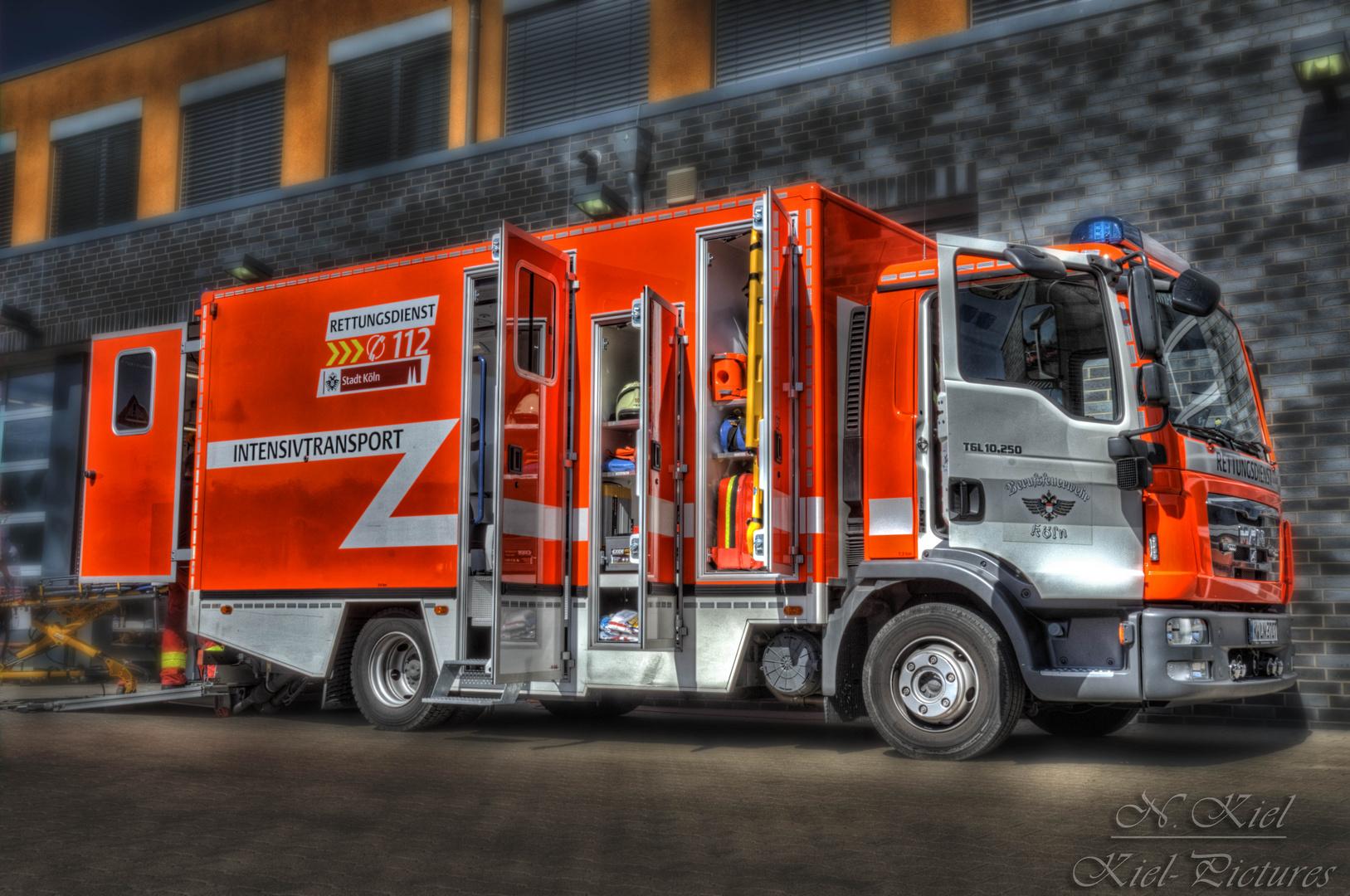 Fahrzeuge Feuerwehr Köln