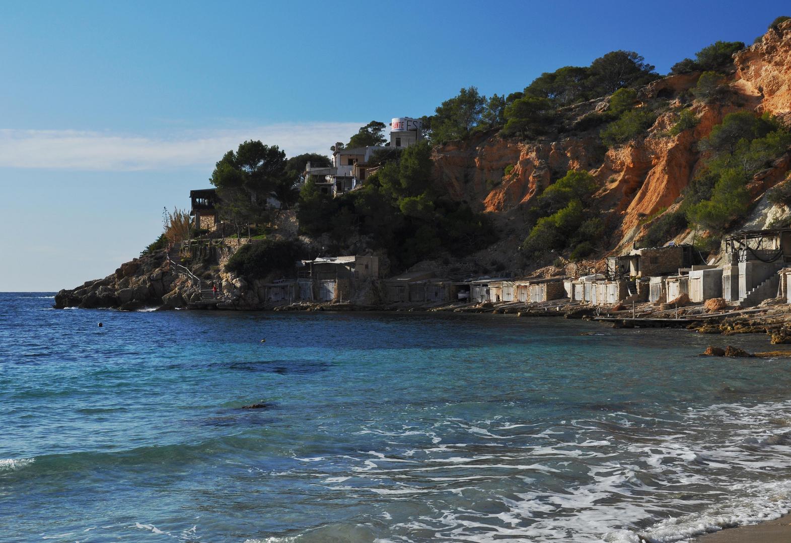 Ibiza: Fischerhütten in der Cala d´Hort
