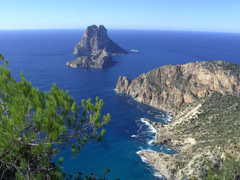 Ibiza, Vista al Vedra desde Puig Llentrissa