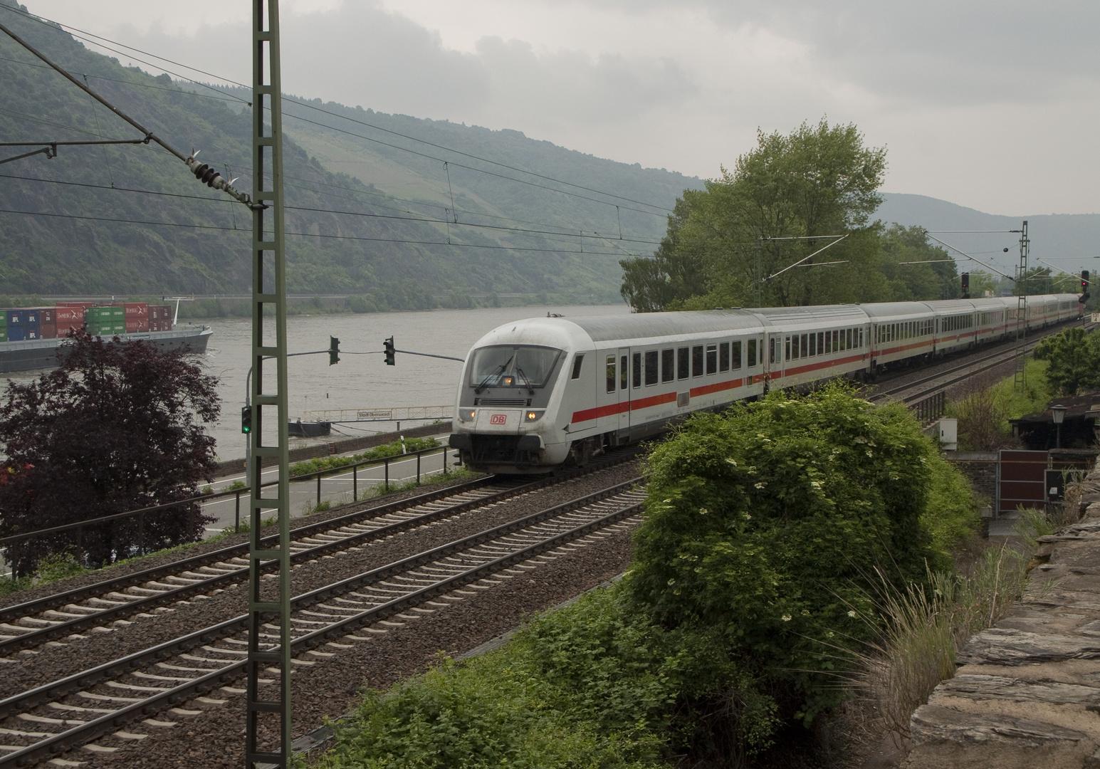 IC Durchfahrt in Oberwesel