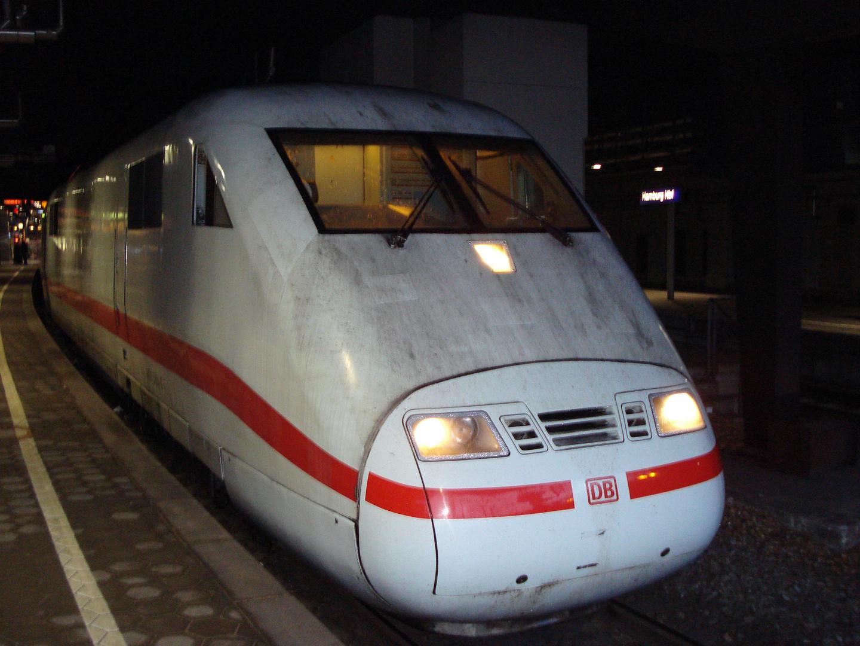 ICE 1 in Hamburg Hbf