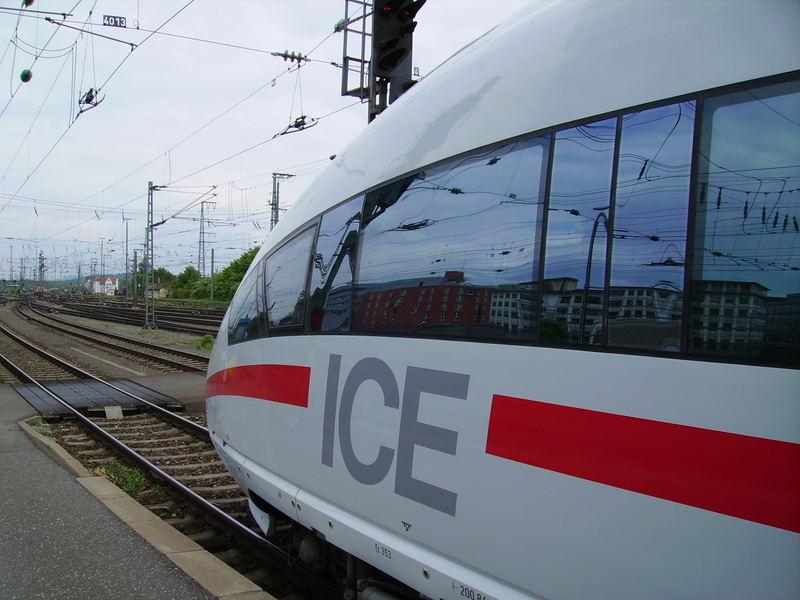 ICE 13080 - Bereit zur Abfahrt nach München