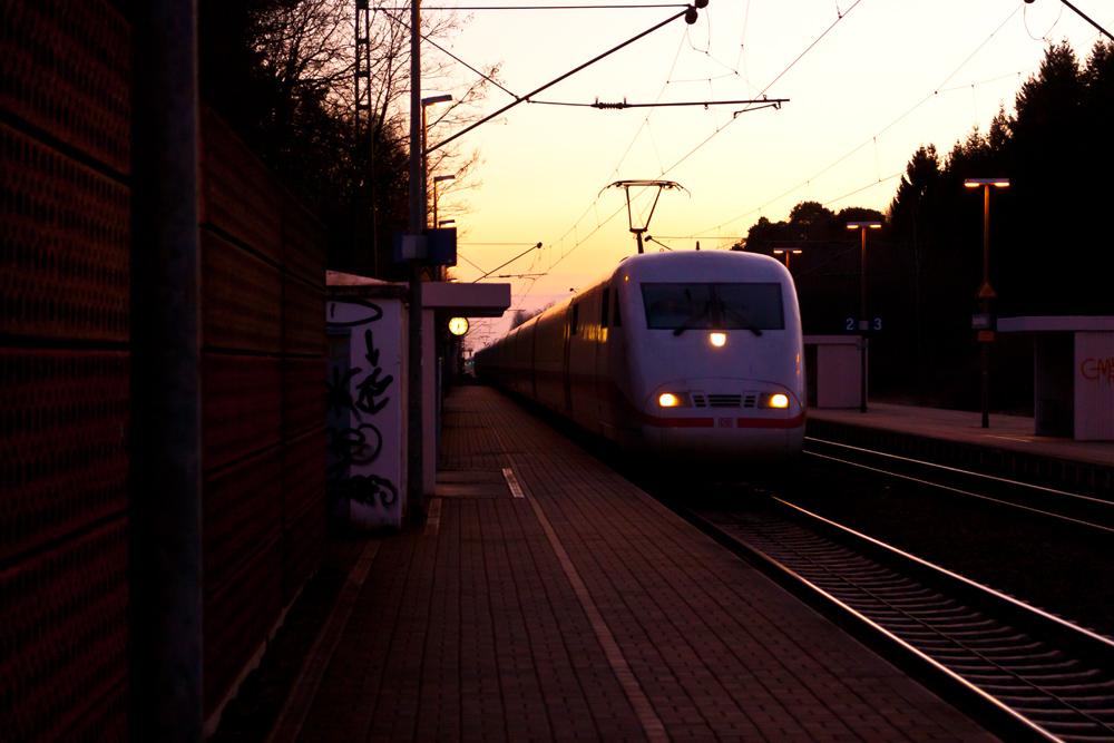 ICE Niedermittlau Bahnhof