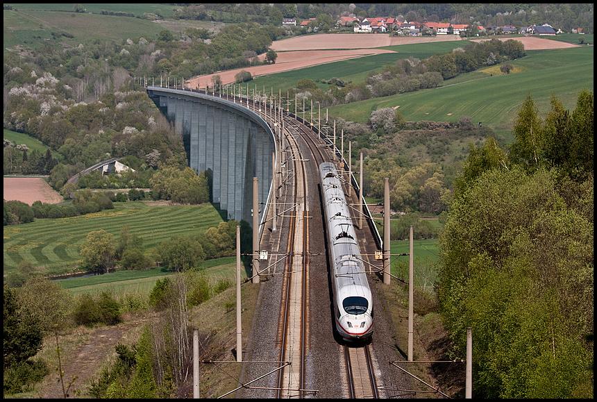 ICE3 auf der Fuldatalbrücke