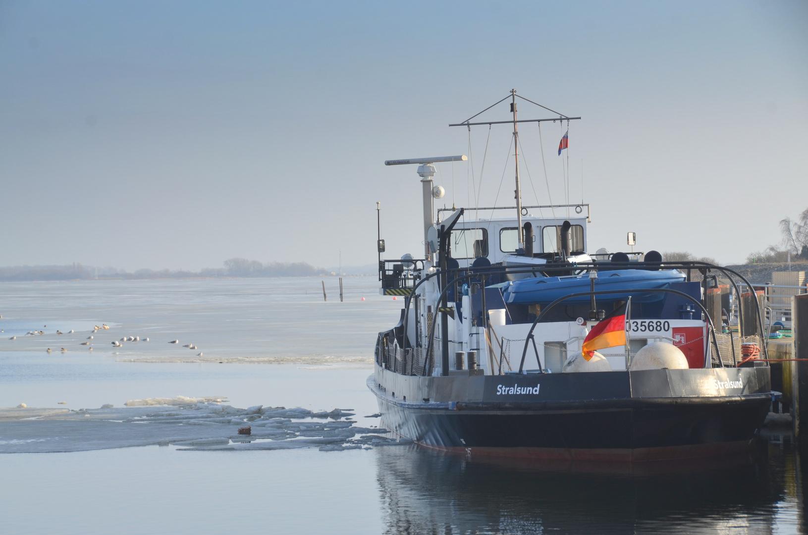 Icefahrplan  auf der Insel