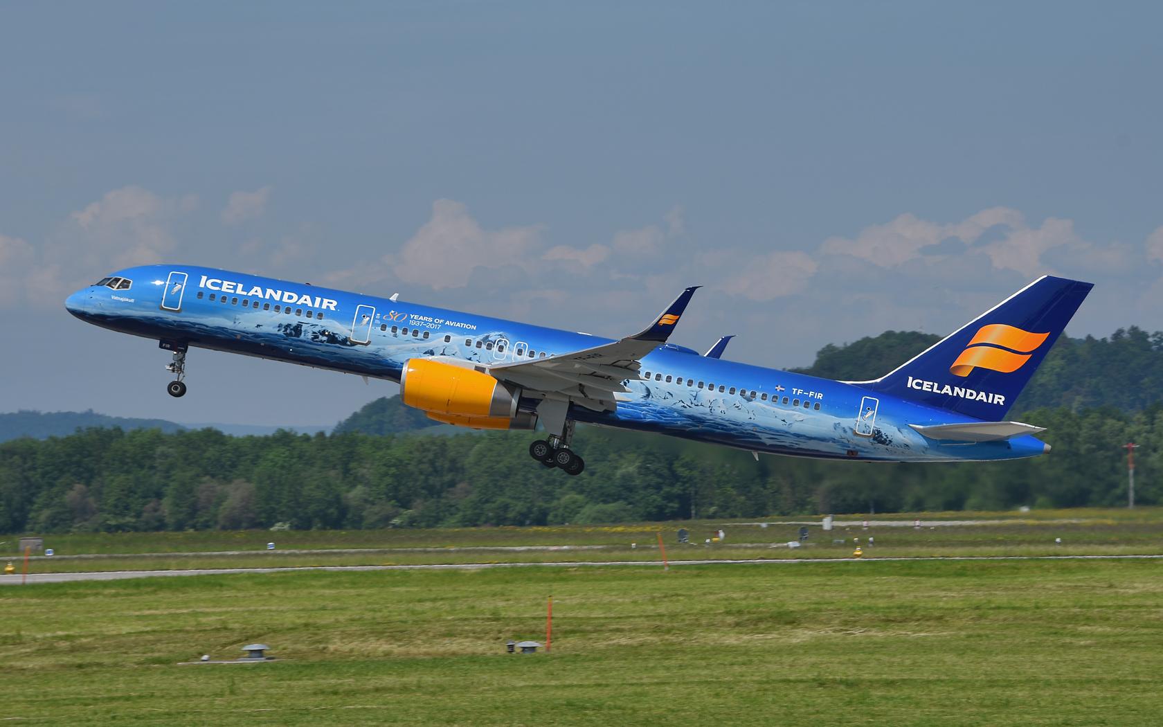 Icelandair Boeing 757-200WL TF-FIR