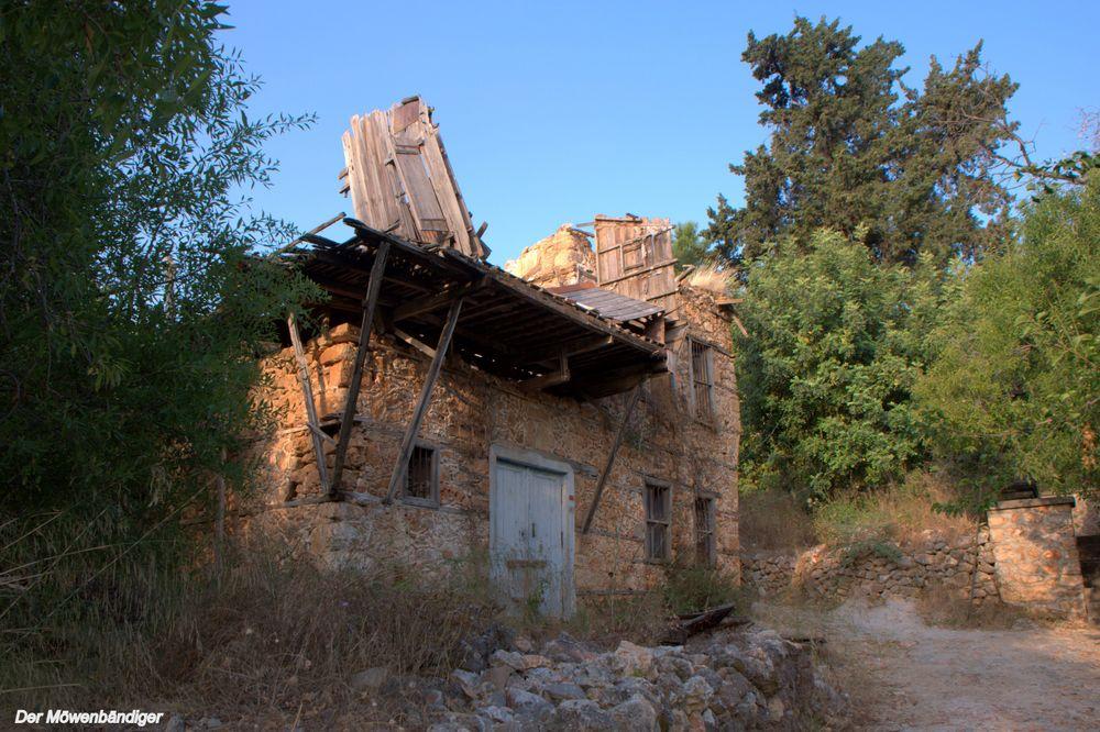 Ich glaube die Türken  haben noch nie Häuser gemocht ,die gebaut wurden um lange zuhalten