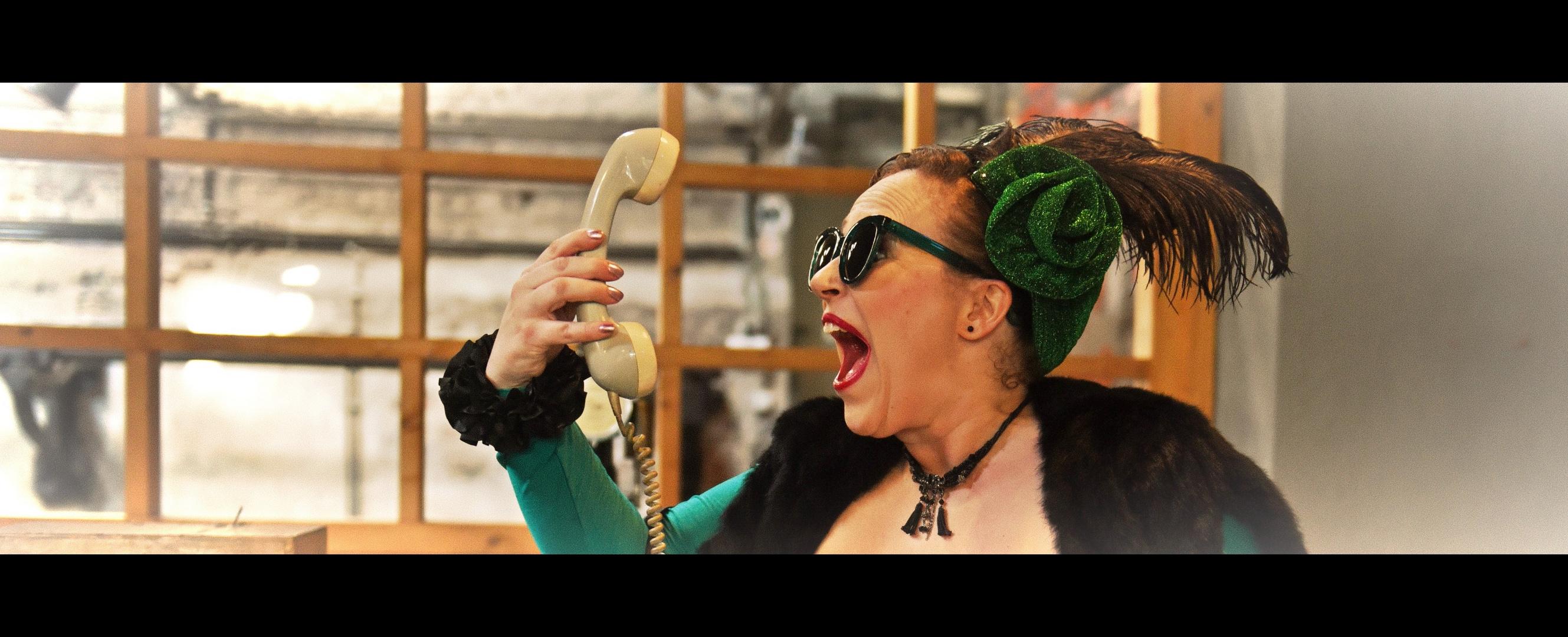 ich HASSE telefonieren!