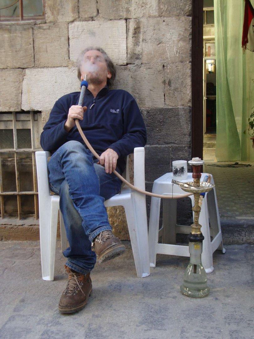 Ich.. in Damaskus vor meiner Haustuer....vor ein paar Tagen.....