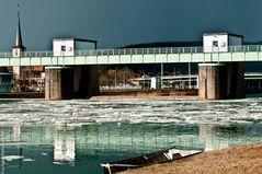 Icy river Main