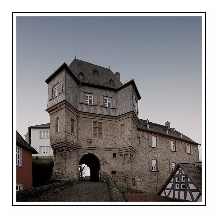 Idstein: Torbogengebäude (reload)