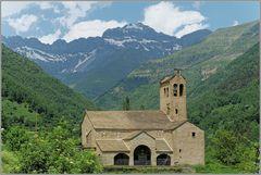 Iglesia de San Miguel mit Monte Perdido