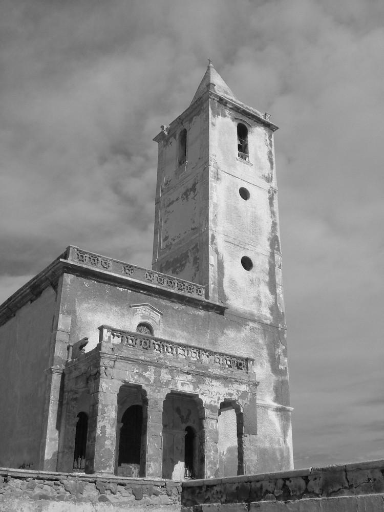 Iglesia olvidada por la iglesia