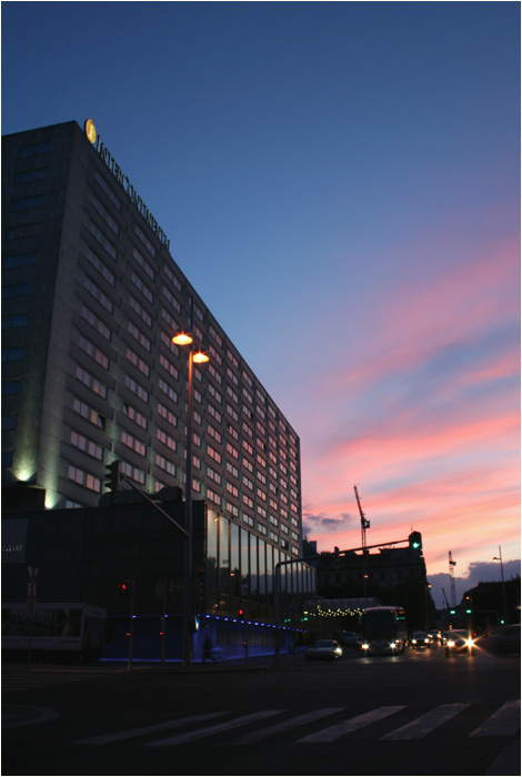 (I)Intercontinental