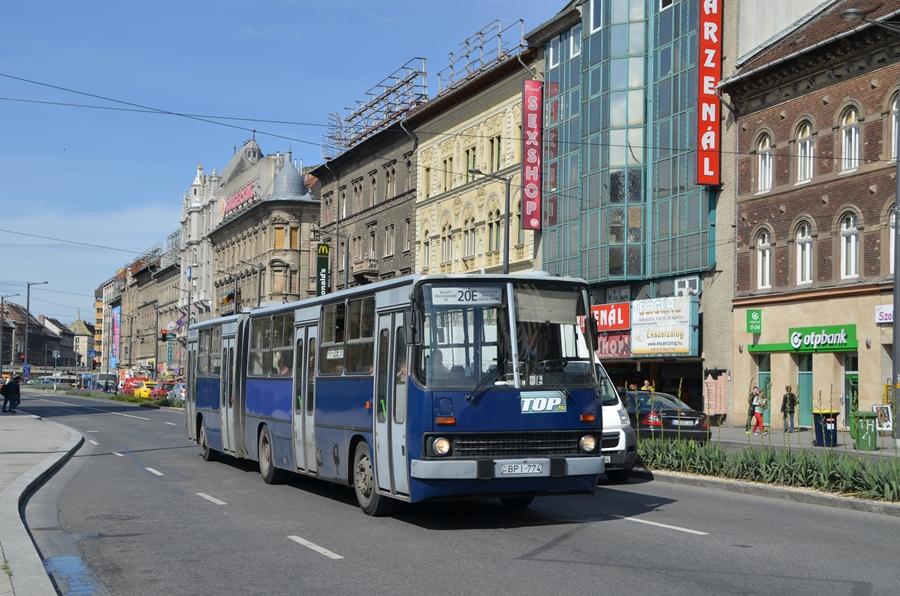 Ikarus 280 In Budapest Auf Der Linie 20e Foto Bild Bus
