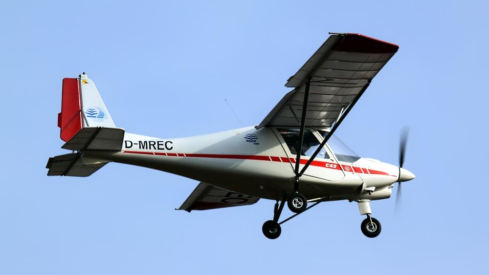 Ikarus C42 Foto Bild Luftfahrt Passagiermaschinen Verkehr