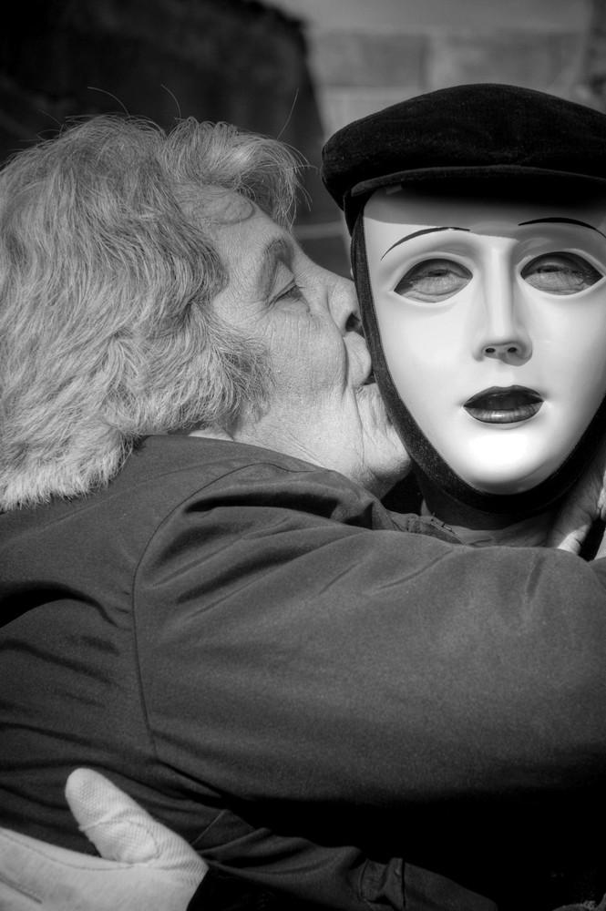 Il bacio della Madre