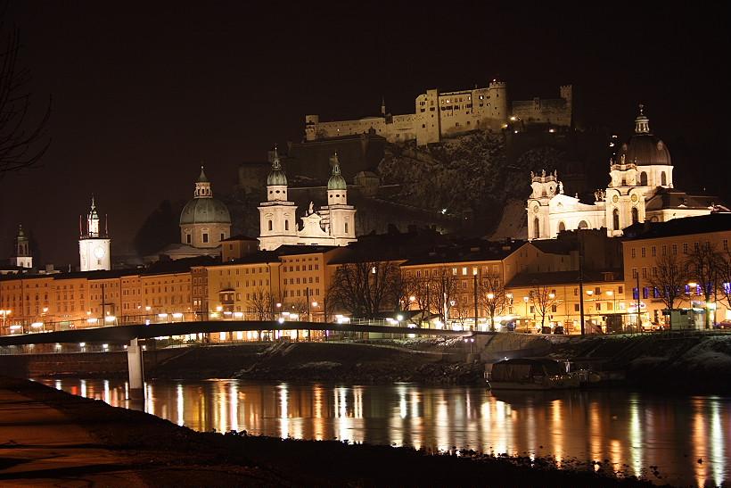 Il castello sorveglia la cittadina...