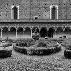 Il chiostro della Certosa di Pavia