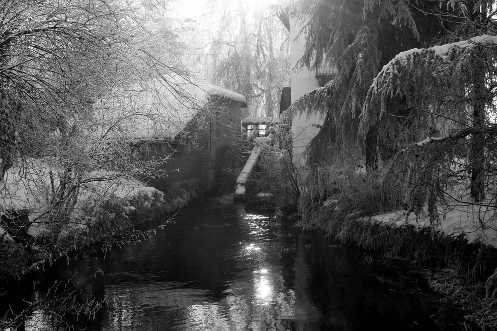 Il mulino sotto la neve