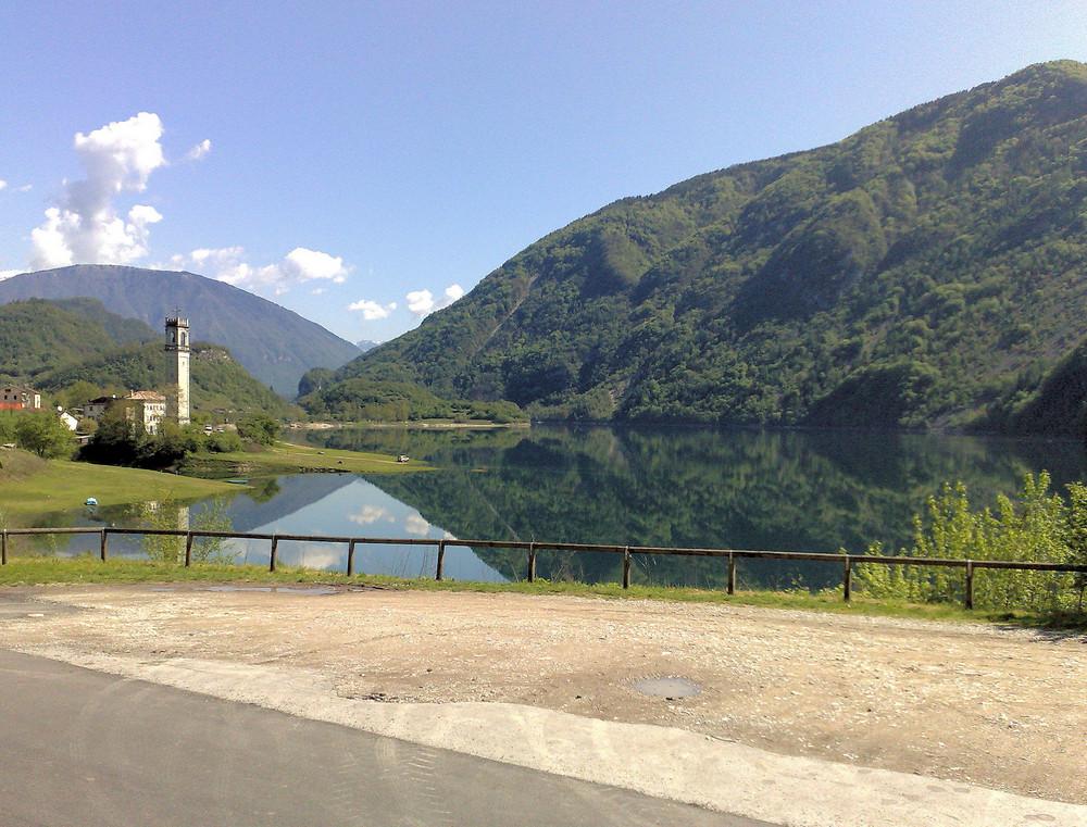 Il piccolo lago incantato