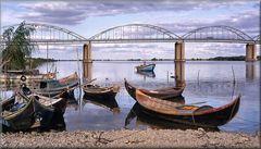 Il ponte e le barche.