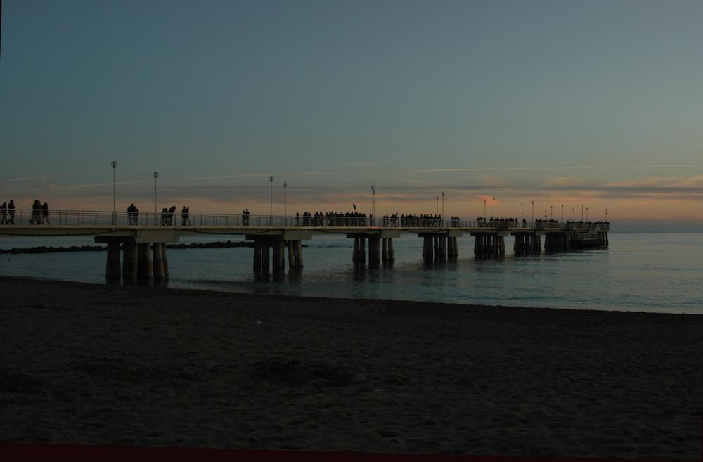 Il pontile al tramonto