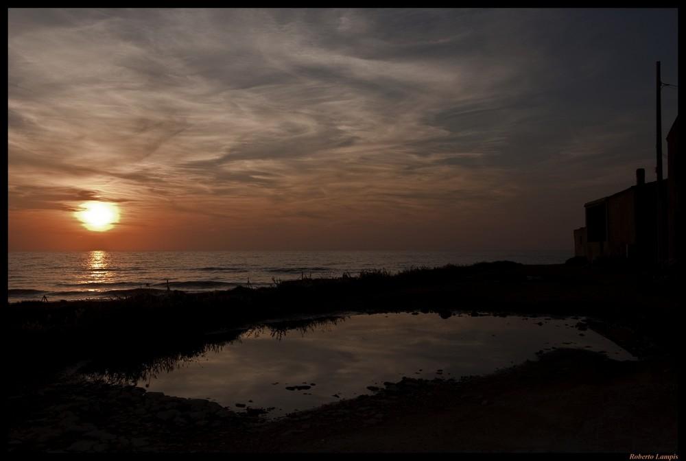 Il tramonto del sole romantico