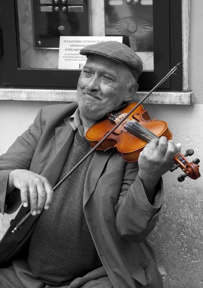 Il violinista di strada, 2