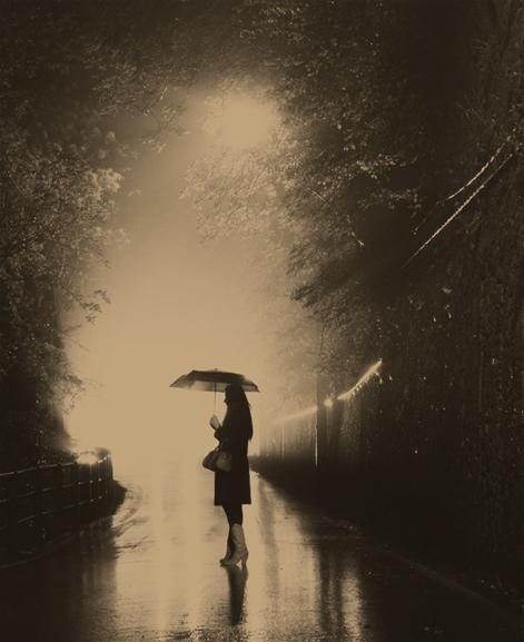 illuminata nella pioggia