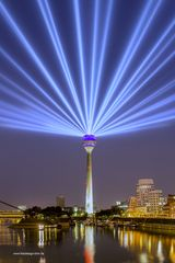 Illumination des Fernsehturms in Düsseldorf