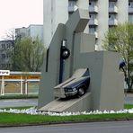 Im Abwrackzeitalter: öffentliche Kunst statt Schrottpresse...