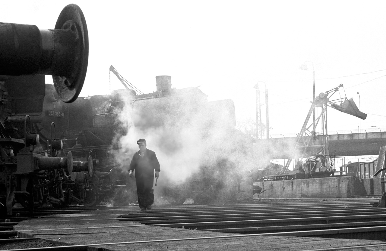 Im Bahnbetriebswerk