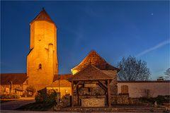im Burghof der Burg Freckleben