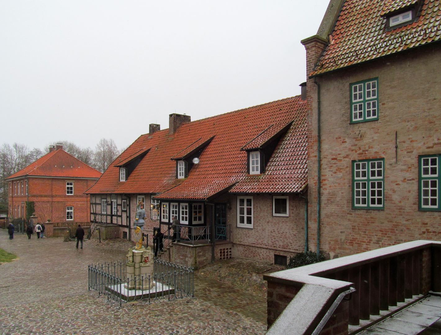 im Burghof der Burg in Bad Bederkesa ... Foto & Bild | winter ...