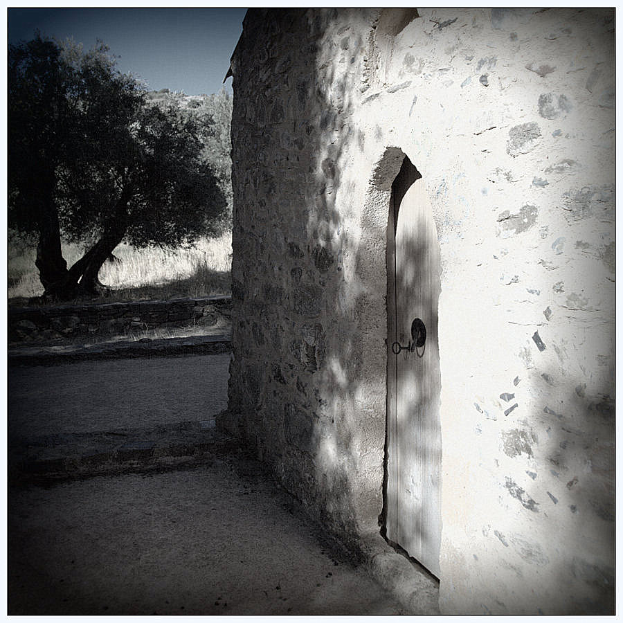 ...im Dorf (3)...