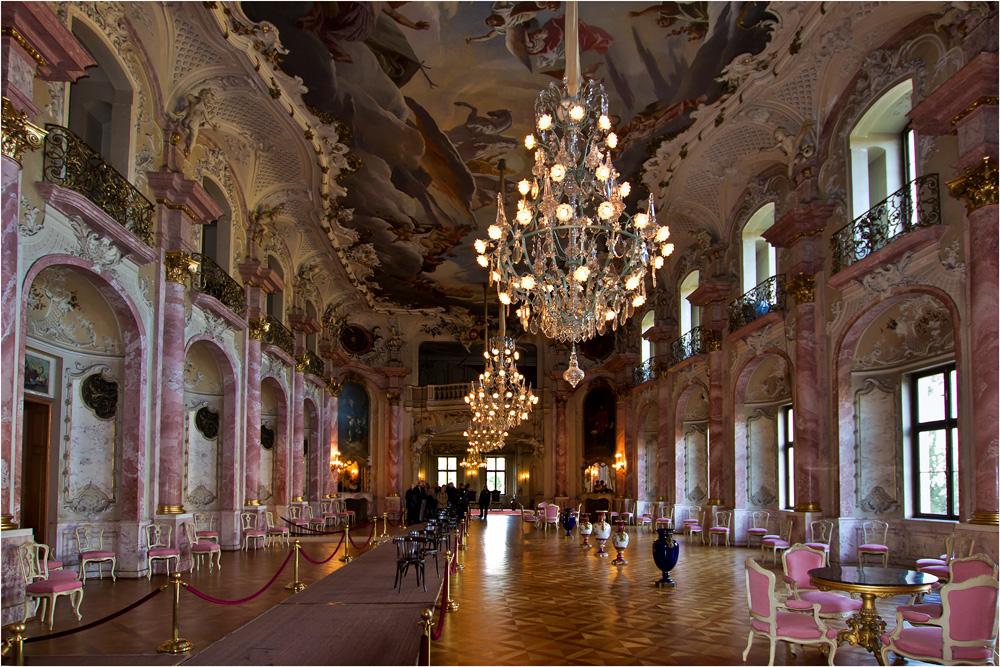 Im Festsaal des Schlosses