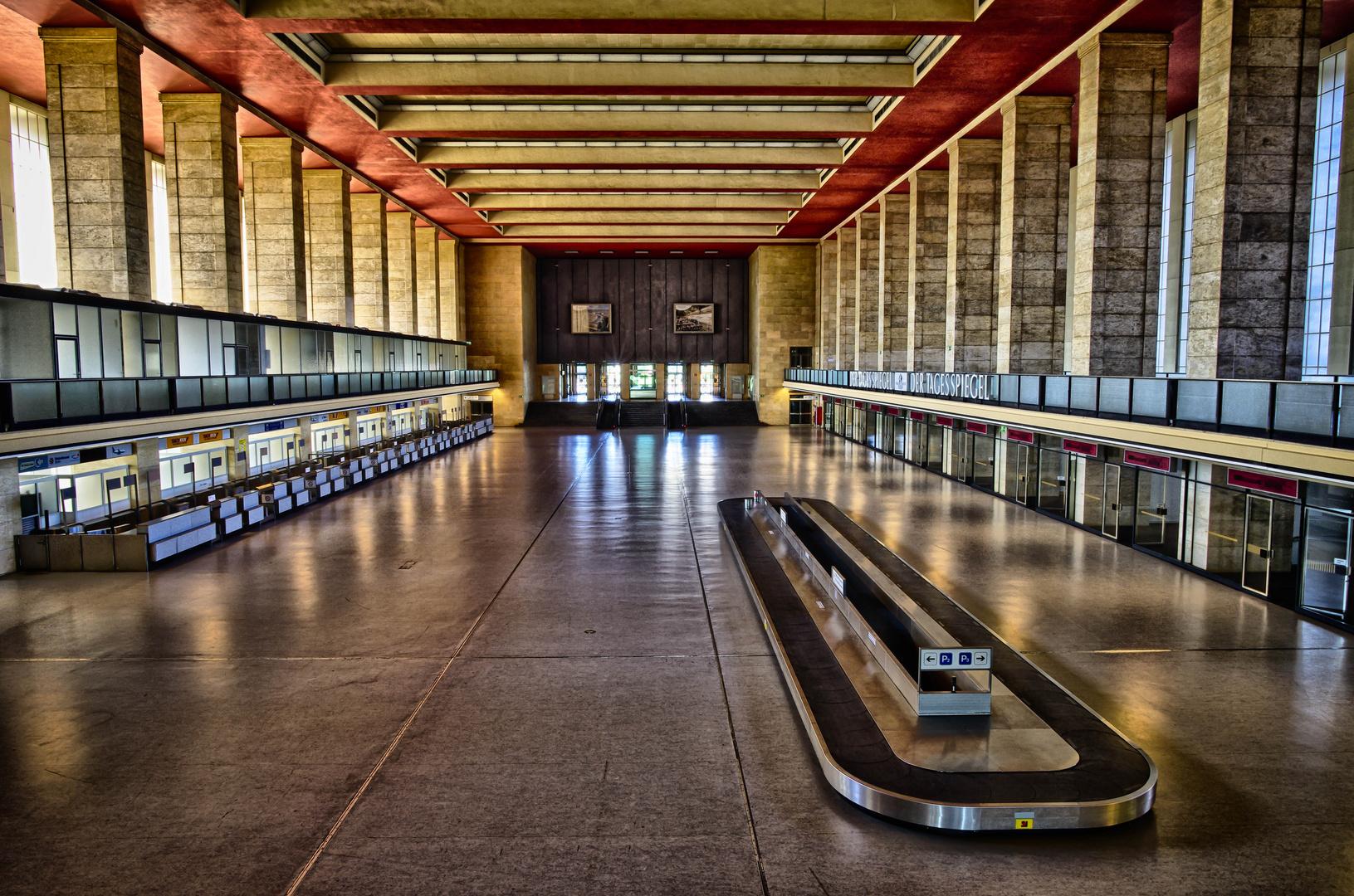 Im Flughafen Tempelhof