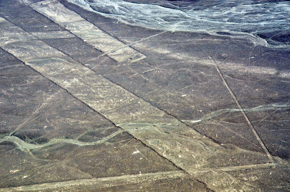 Im Flugzeug über den Nazca-Linien im Süden von Peru