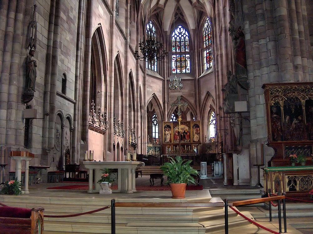 Im Freiburger Münster***