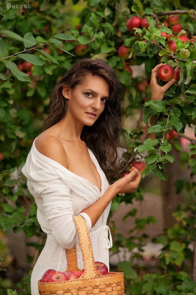 Im Garten Foto & Bild | portrait, portrait frauen, outdoor