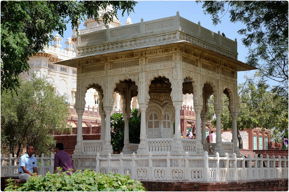 Im Garten von Jaswant Thada
