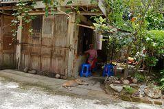 im hinterhof, nonnenkloster yangon, burma 2011